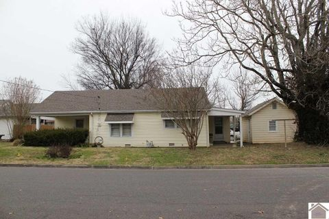 Photo of 2114 Powell St, Paducah, KY 42003