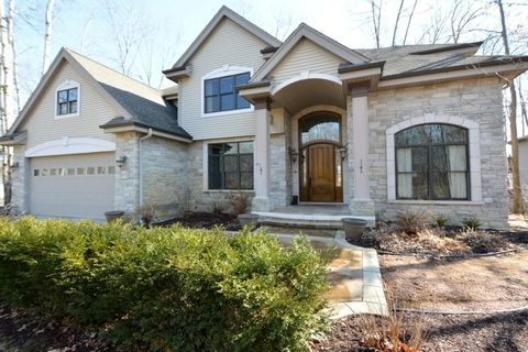 5653 Island View Ct, Waterford, WI 53185