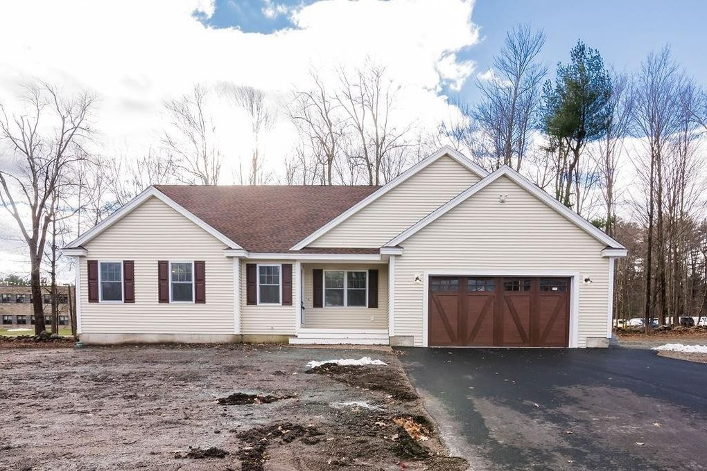 18-20 Tucker Ave, Pepperell, MA 01463