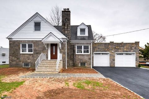 Photo of 536 Collins Ave, Hasbrouck Heights, NJ 07604