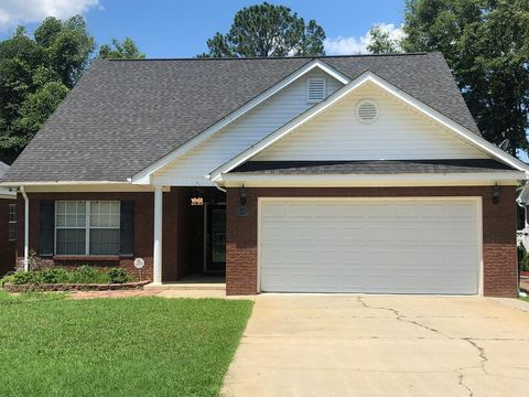 Photo of 606 Frankfort Dr, Dothan, AL 36305