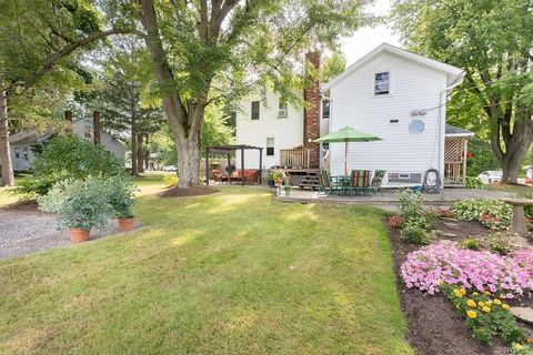 7923 Transit Rd, East Amherst, NY 14051