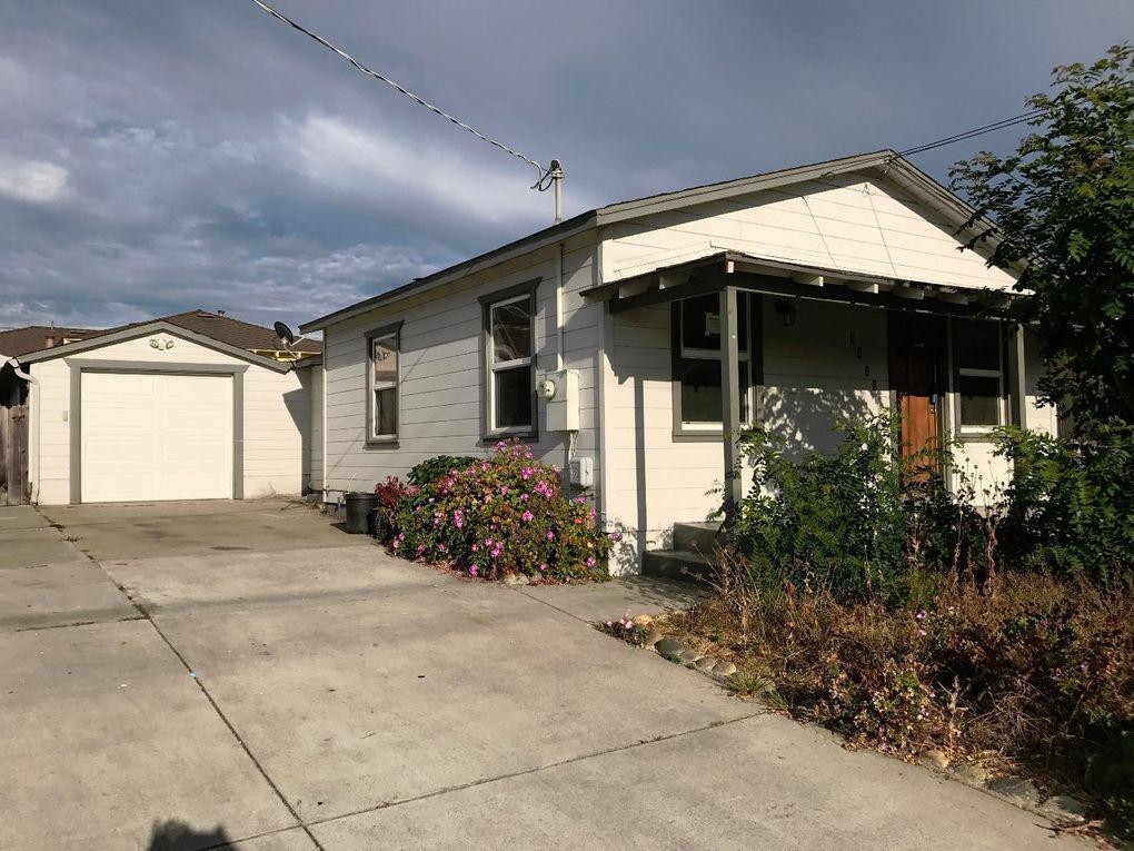 1418 Lowell St, Seaside, CA 93955