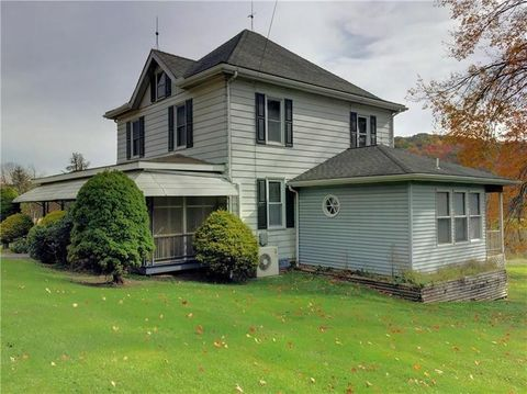 226 State Route 711, Donegal, PA 15646