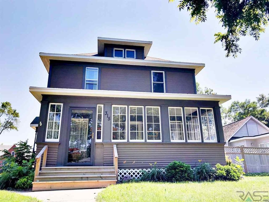 315 Nw 4th St, Madison, SD 57042