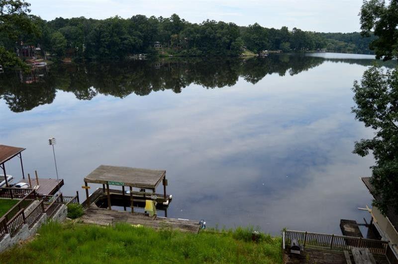 8486 Lake Dr Sw, Snellville, GA 30039