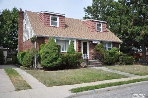 320 Marguerite Ave, South Floral Park, NY 11001