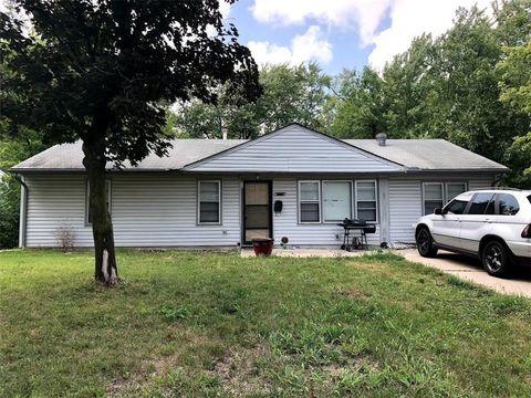 11318 Greenwood Rd, Kansas City, MO 64134