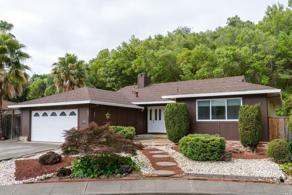 685 Marin Oaks Dr, Novato, CA 94949