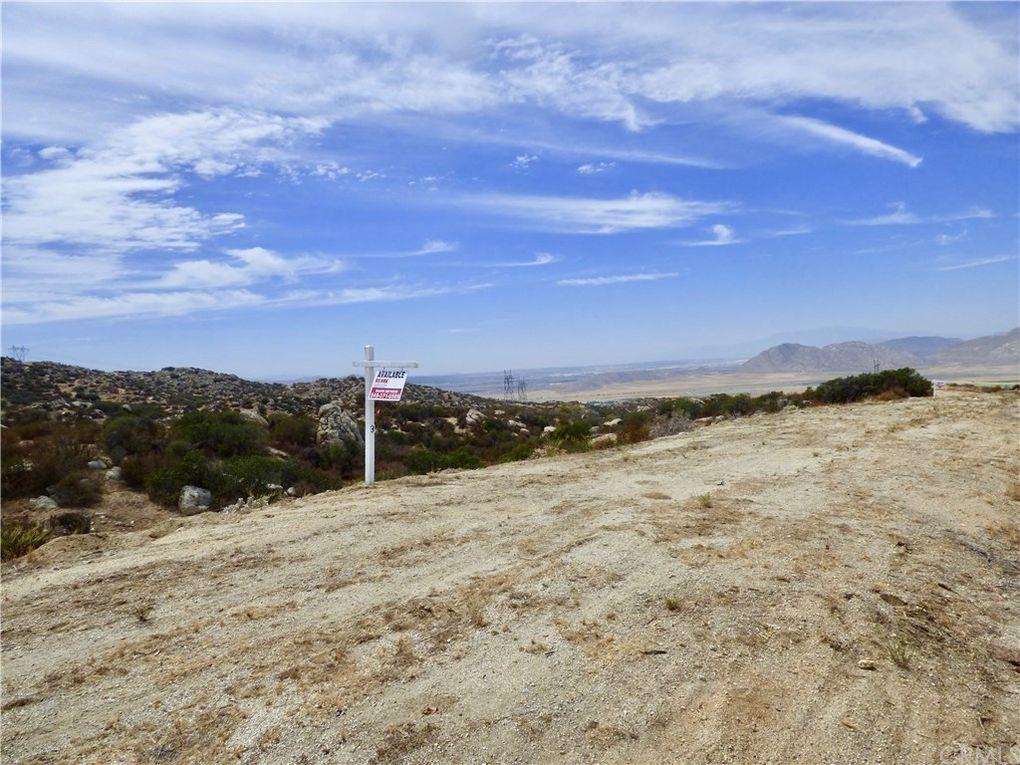 22991 Sky Mesa Rd Juniper Flats, CA 92548
