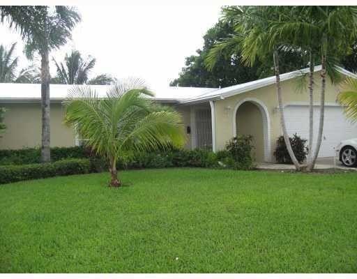 1741 SW 10th St Boca Raton, FL 33486
