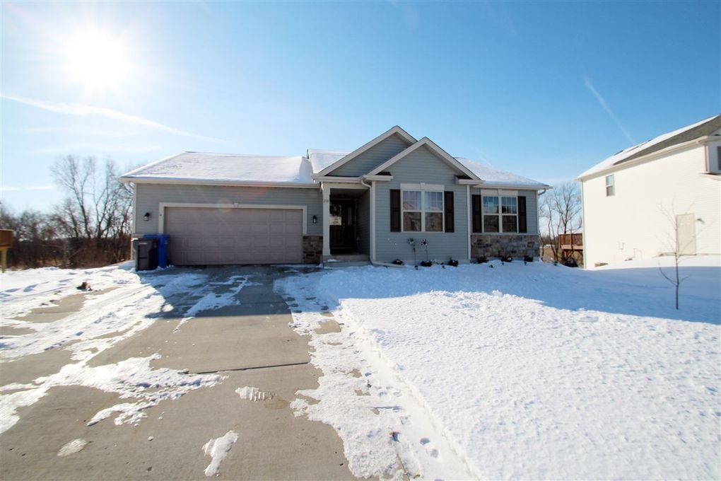 218 W Haven Dr Watertown, WI 53094