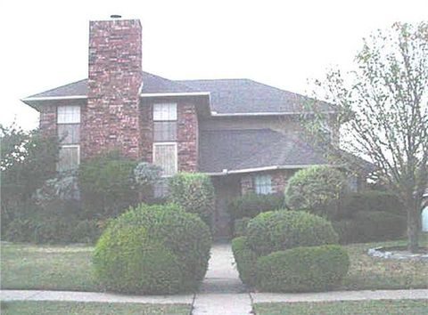 Photo of 1237 Harvest Hill Ln, Lancaster, TX 75146