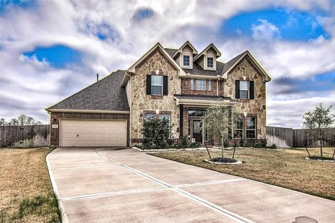 Photo of 12102 Sandstone Cir, Mont Belvieu, TX 77535