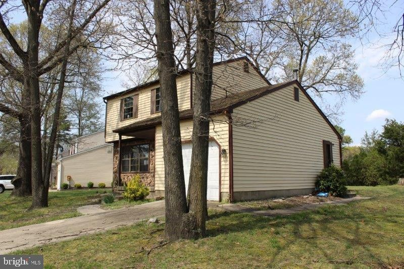 20 Bromley Dr, Sicklerville, NJ 08081