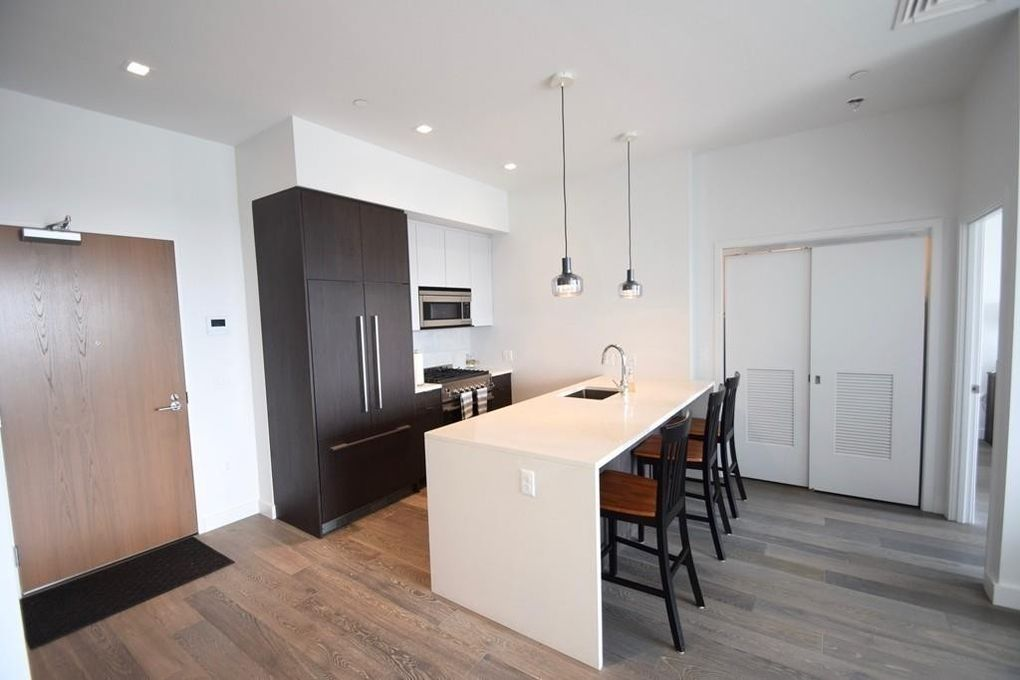 375 Canal St Ph 102, Somerville, MA 02145
