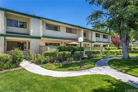 23530 Newhall Ave Apt 3, Newhall, CA 91321