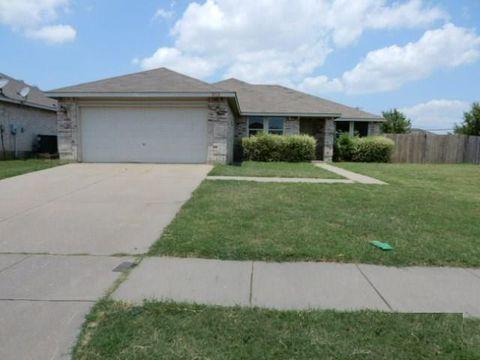 Photo of 2112 W Grove Ln, Grand Prairie, TX 75052