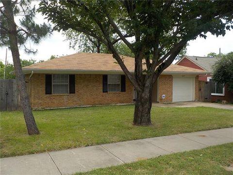 Photo of 2625 Putnam St, Fort Worth, TX 76112