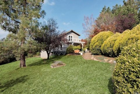 2 Campolindo Dr, Point Reyes Station, CA 94956