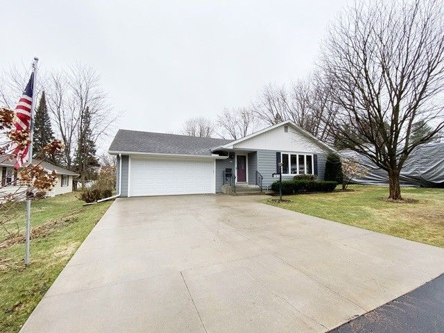 404 W Jefferson St Marshfield, WI 54449