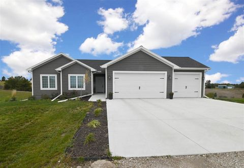 Photo of 8610 Hackamore Dr, Kearney, NE 68845