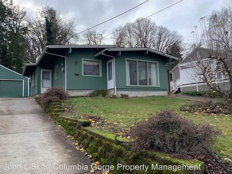 Photo of 1207 Cascade Ave, Hood River, OR 97031