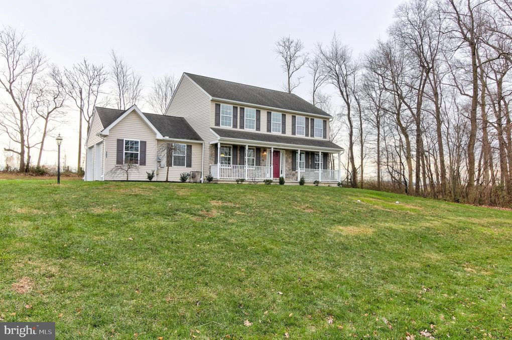 101 Buttercup Dr Oxford, PA 19363