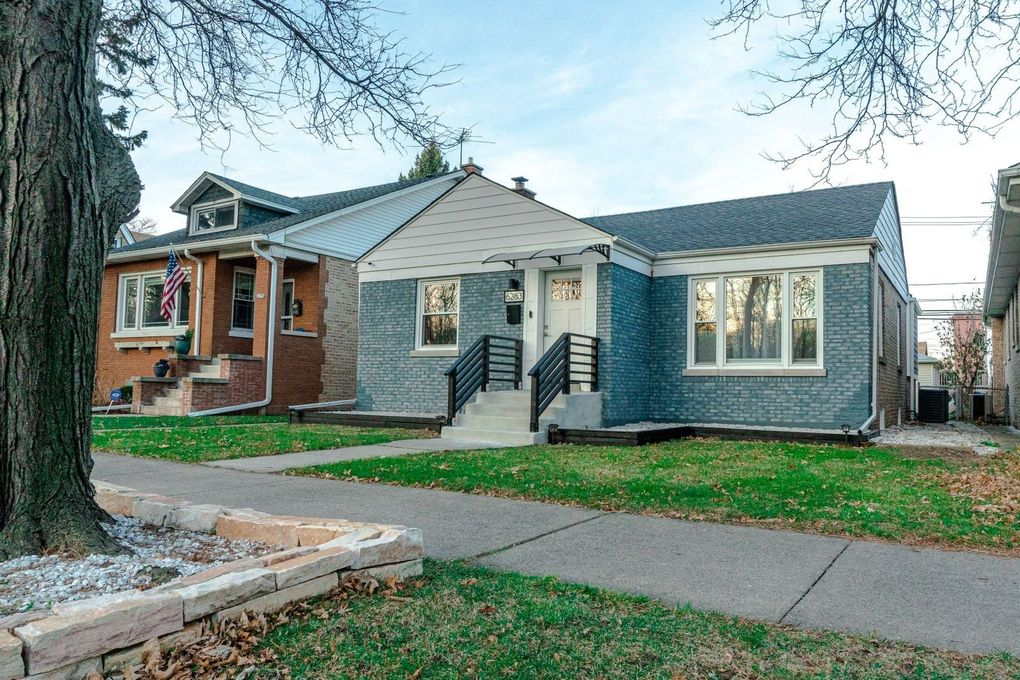 6283 N Caldwell Ave Chicago, IL 60646