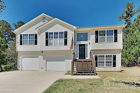 Photo of 454 Thorn Thicket Dr, Rockmart, GA 30153