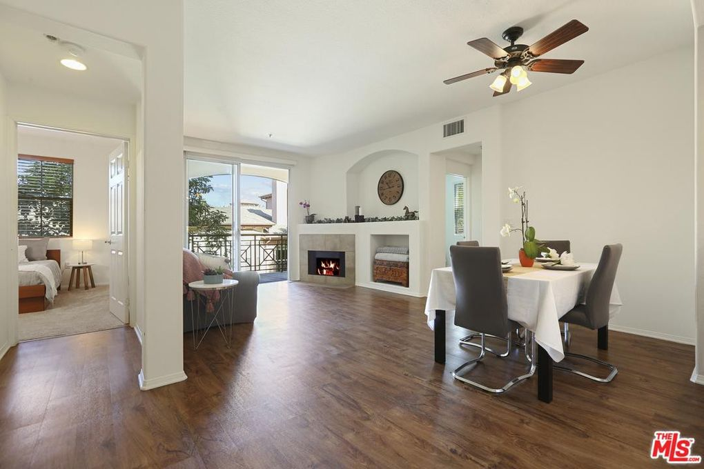 13075 Pacific Promenade Apt 300 Playa Vista, CA 90094