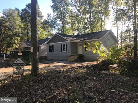 Photo of 3 Heritage Ln, Oak Grove, VA 22443