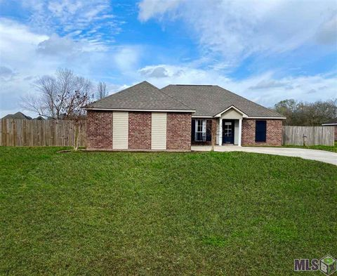 Photo of 12189 Central Park Dr, Geismar, LA 70734