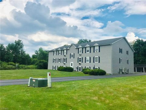 Photo of 3805 Indian Run Dr Units 7 & 6, Canfield, OH 44406