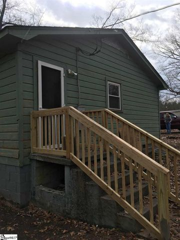Photo of 150 Dot Simmons Rd, Gray Court, SC 29645