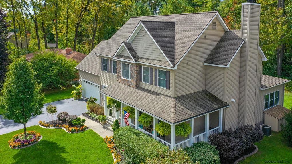 39 Outlook Ave Saratoga Springs, NY 12866