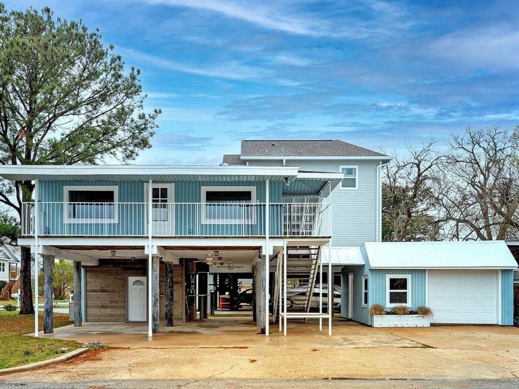 1005 Bryan Ave Seabrook, TX 77586