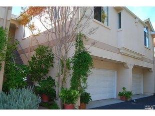 <div>37 Ross St</div><div>San Anselmo, California 94960</div>
