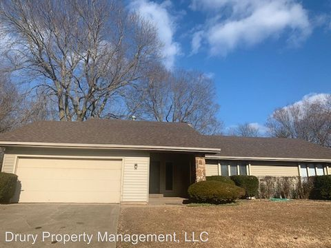 Photo of 4820 S Warwick Ave, Springfield, MO 65804