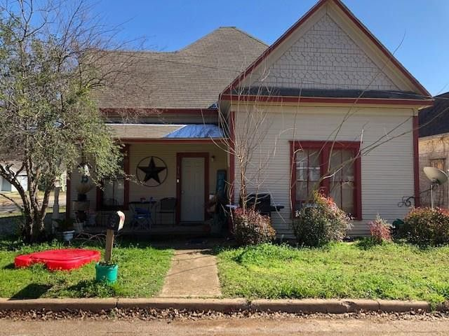 916 5th Ave Mineral Wells, TX 76067