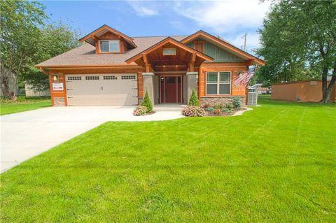 413 S Carl St, Siloam Springs, AR 72761