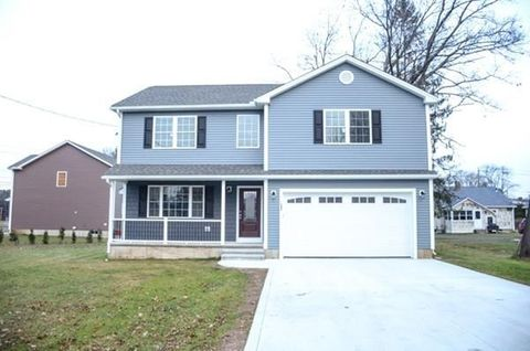 Photo of 153 Roosevelt St, Westfield, MA 01085