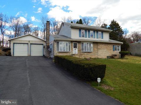 Photo of 576 Old York Rd, Etters, PA 17319