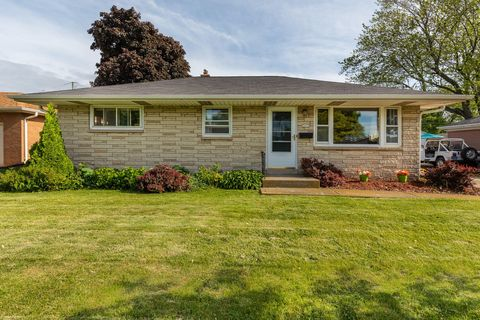 Photo of 3835 E Whittaker Ave, Cudahy, WI 53110