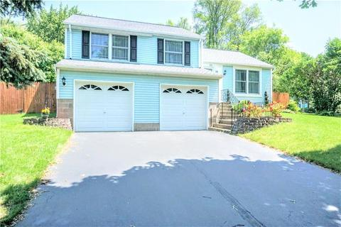 35 Dawn Valley Dr, Rochester, NY 14623