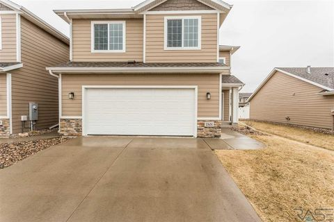 Photo of 7501 S Brookside Pl, Sioux Falls, SD 57108