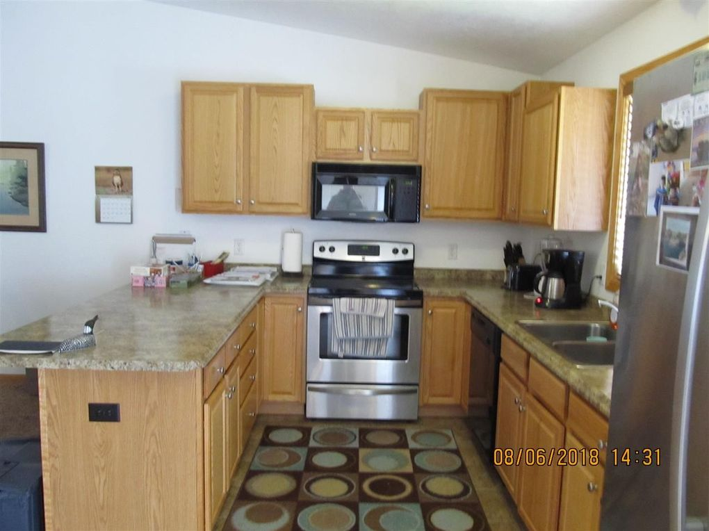 1511 Sw 18th St, Minot, ND 58701