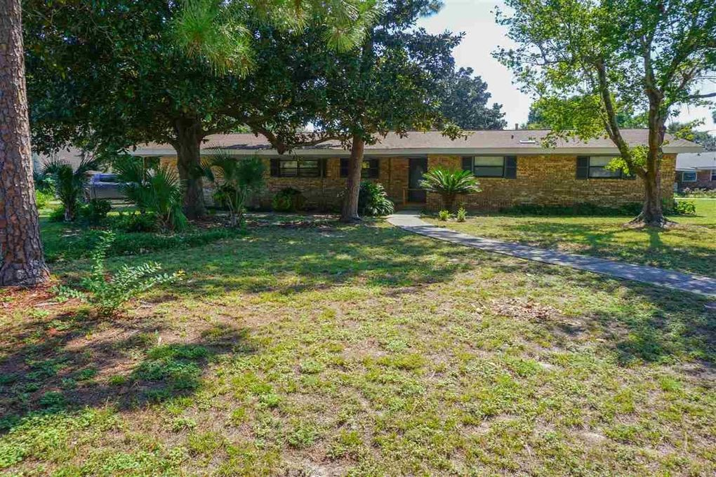 211 Palmetto Rd, Gulf Breeze, FL 32561 - realtor.com®