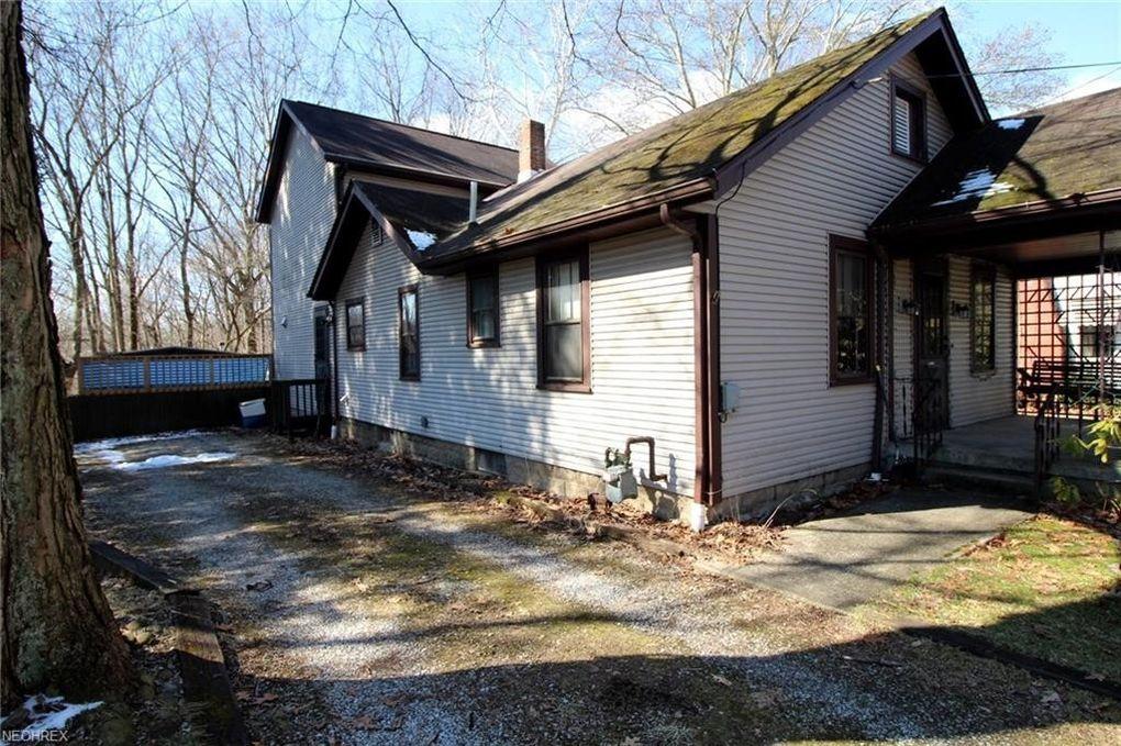 1718 Merrill Rd, Kent, OH 44240