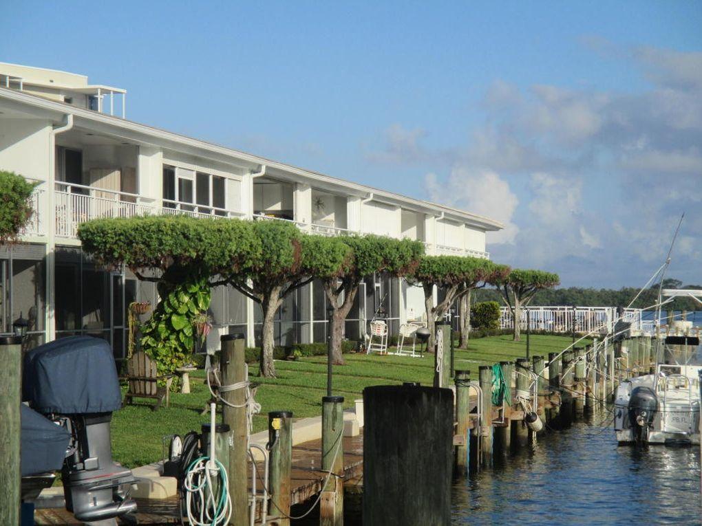 68 Yacht Club Dr Apt 20, North Palm Beach, FL 33408